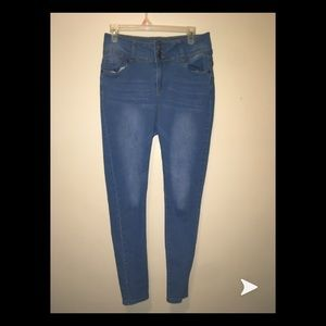 1680b1b19df209 High wasted light blue skinny jeans